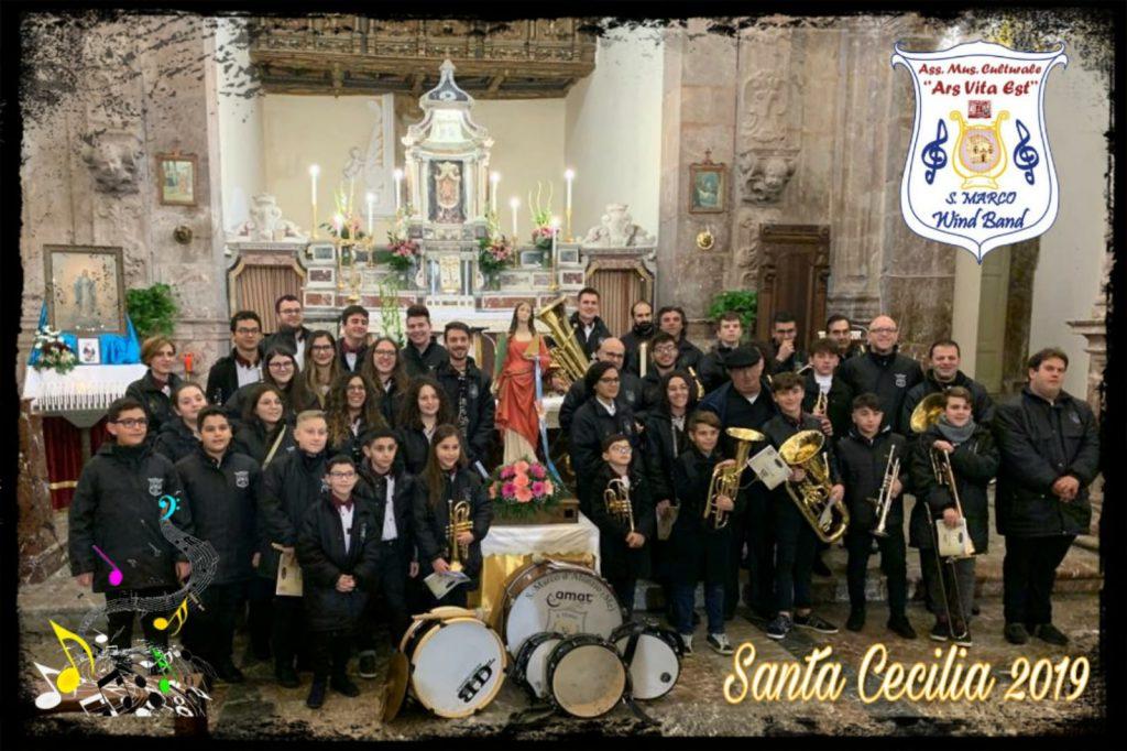 2019 SMWB Santa Cecilia con Statua